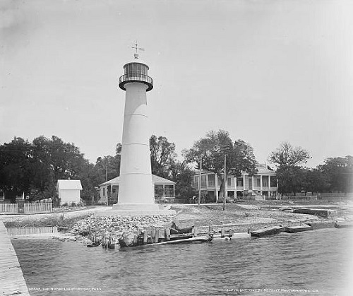 Old Lighthouse 1